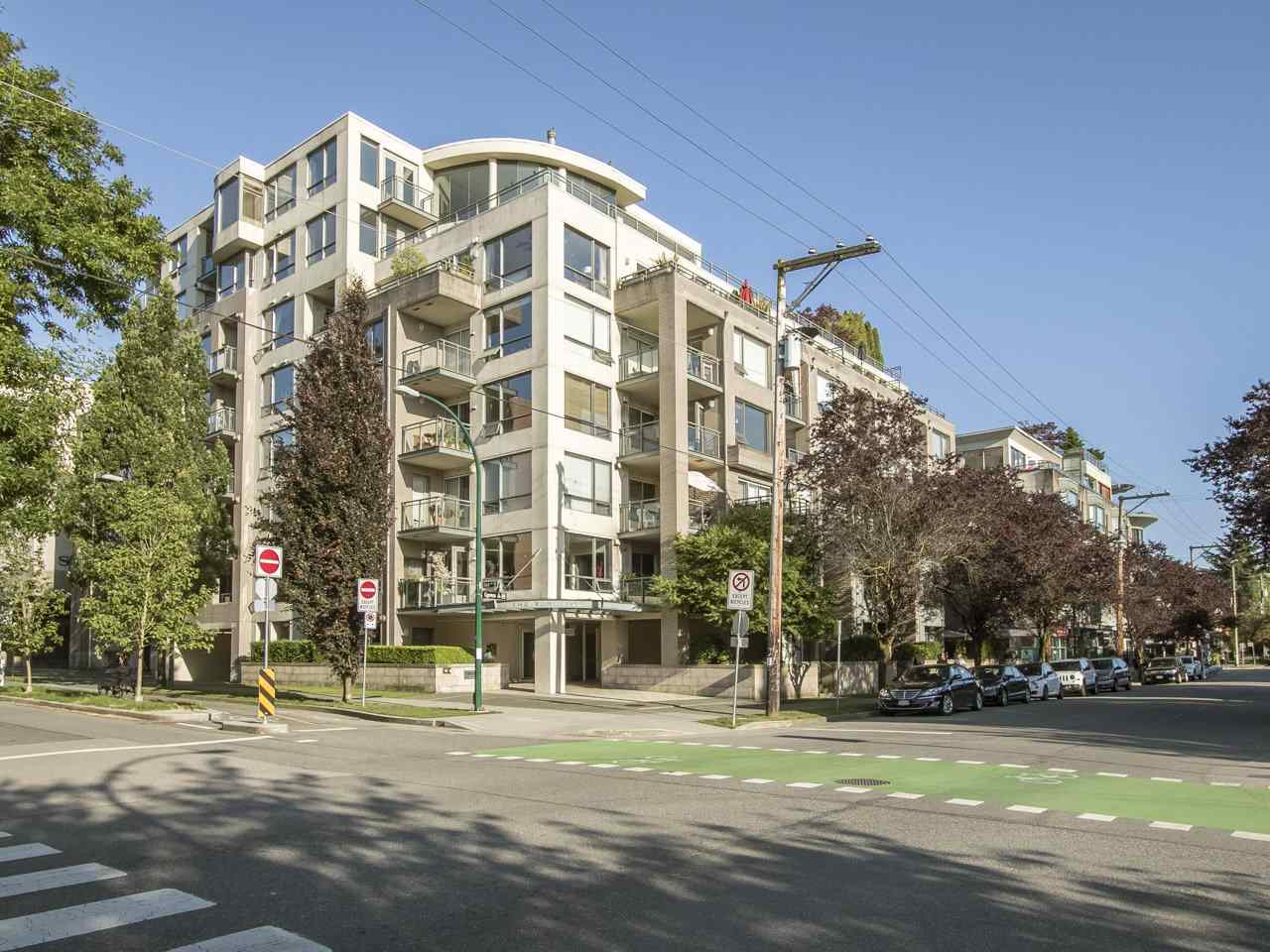 Main Photo: 203 1888 YORK AVENUE in Vancouver: Kitsilano Condo for sale (Vancouver West)  : MLS® # R2183620