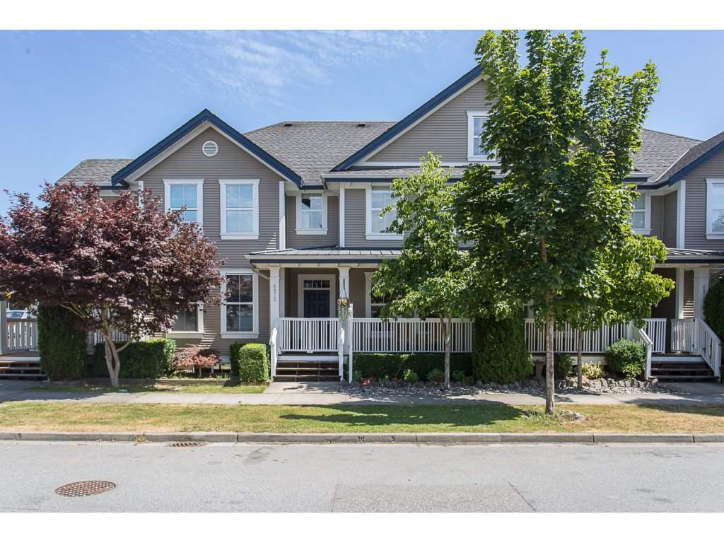Main Photo: 6972 179A Street in Surrey: Cloverdale BC Condo for sale (Cloverdale)  : MLS®# R2189743