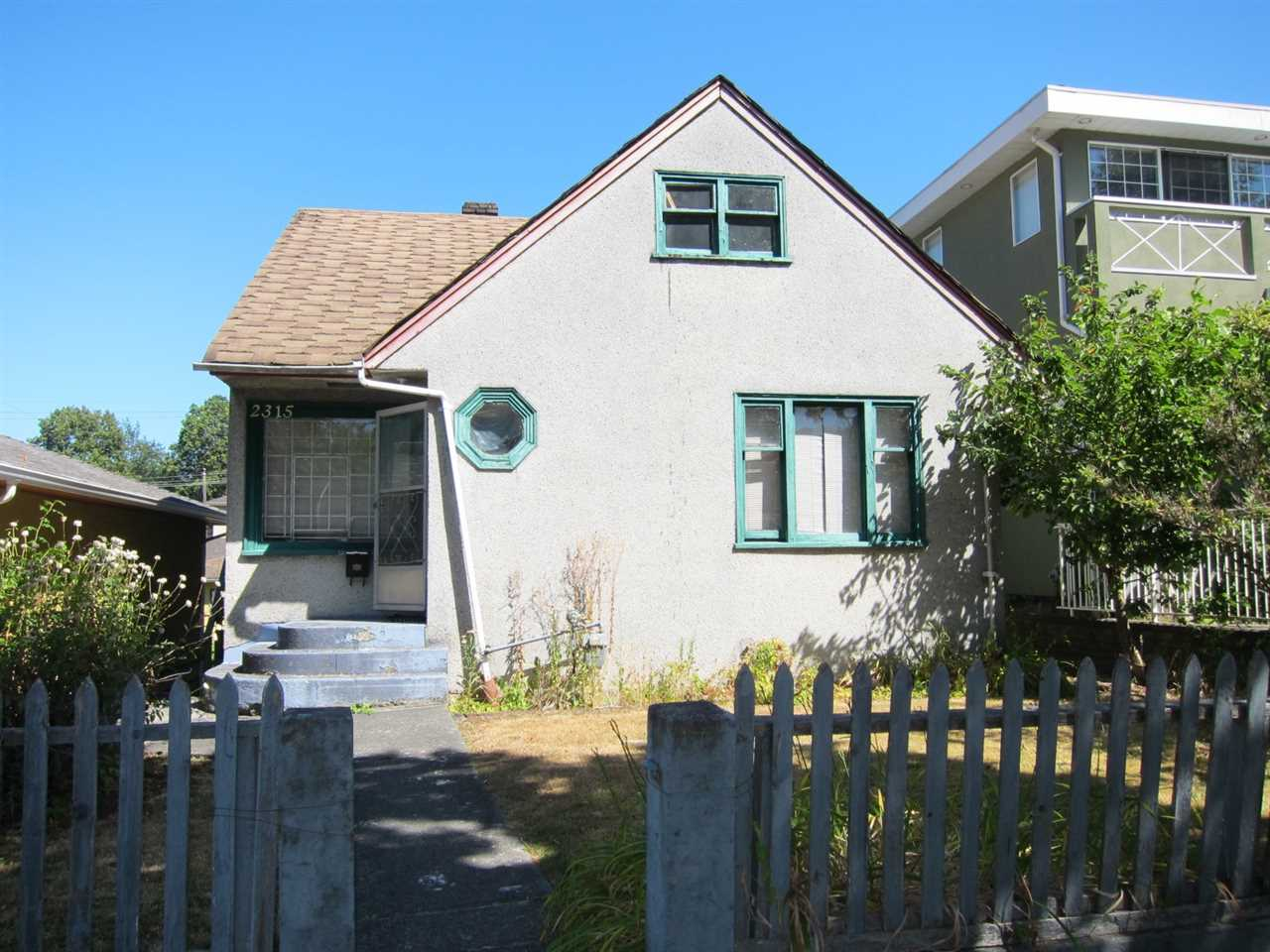 Main Photo: 2315 E 5TH Avenue in Vancouver: Grandview VE House for sale (Vancouver East)  : MLS® # R2200122