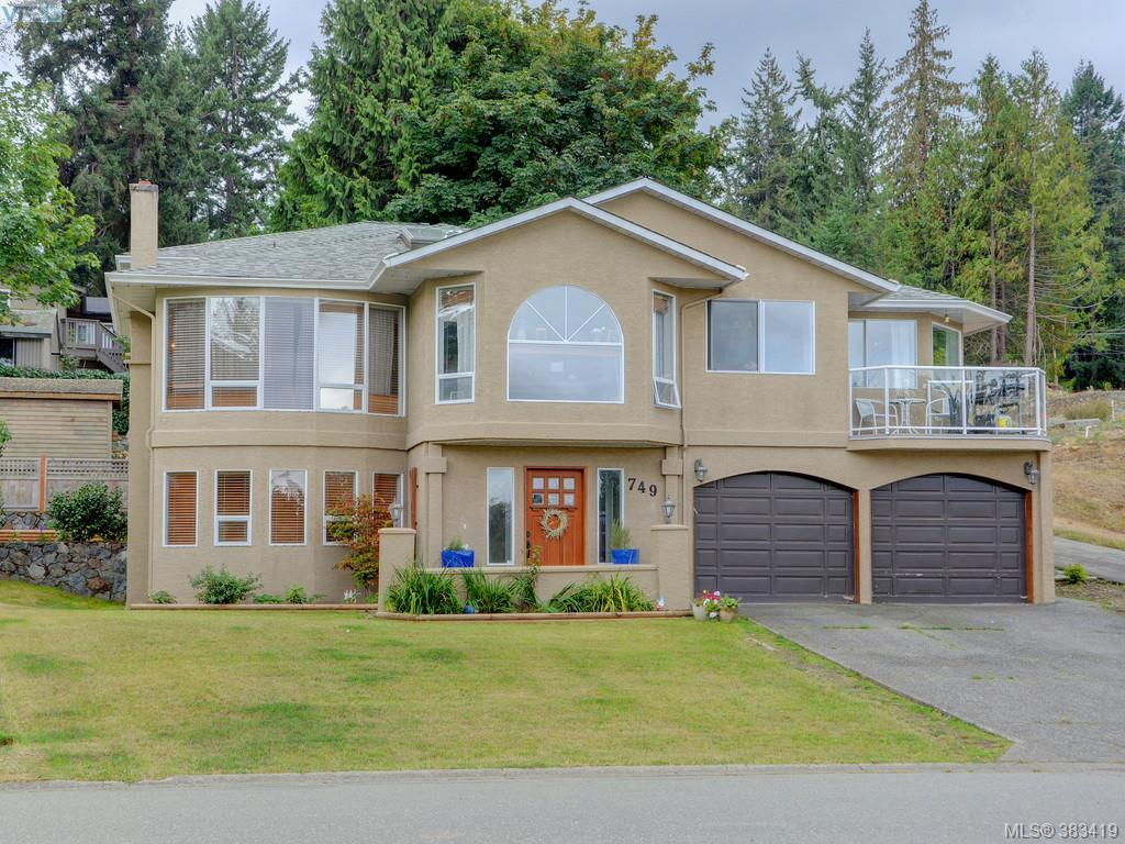 Main Photo: 749 Cecil Blogg Drive in VICTORIA: Co Sun Ridge Single Family Detached for sale (Colwood)  : MLS® # 383419