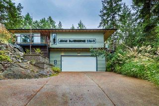 Main Photo: 9019 REDROOFFS Road in Halfmoon Bay: Halfmn Bay Secret Cv Redroofs House for sale (Sunshine Coast)  : MLS® # R2214826
