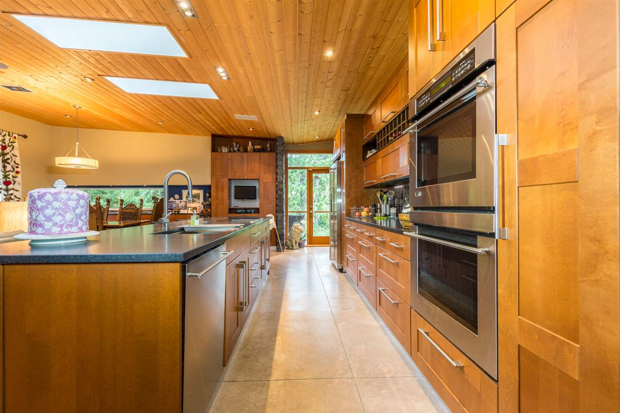 Photo 3: Photos: 9019 REDROOFFS Road in Halfmoon Bay: Halfmn Bay Secret Cv Redroofs House for sale (Sunshine Coast)  : MLS®# R2214826