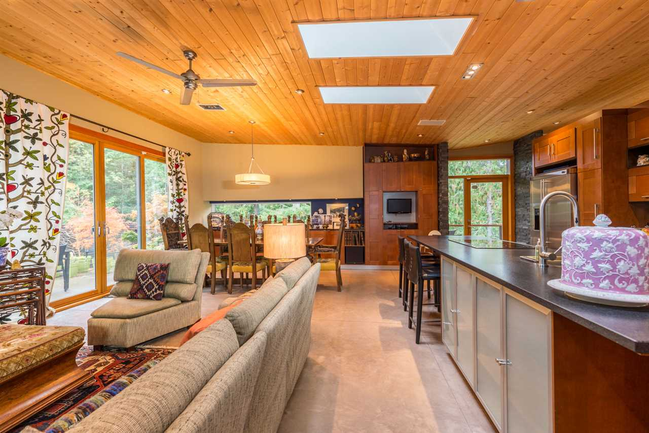 Photo 7: Photos: 9019 REDROOFFS Road in Halfmoon Bay: Halfmn Bay Secret Cv Redroofs House for sale (Sunshine Coast)  : MLS®# R2214826