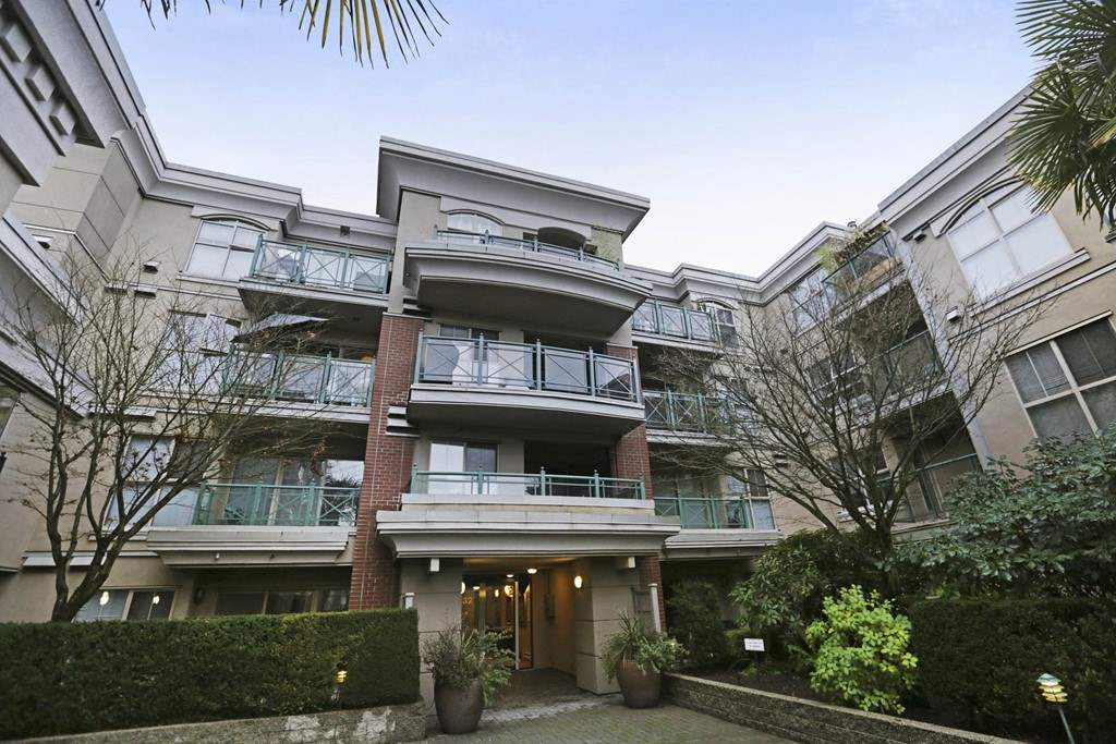 Photo 1: Photos: 316 332 LONSDALE Avenue in North Vancouver: Lower Lonsdale Condo for sale : MLS® # R2224894