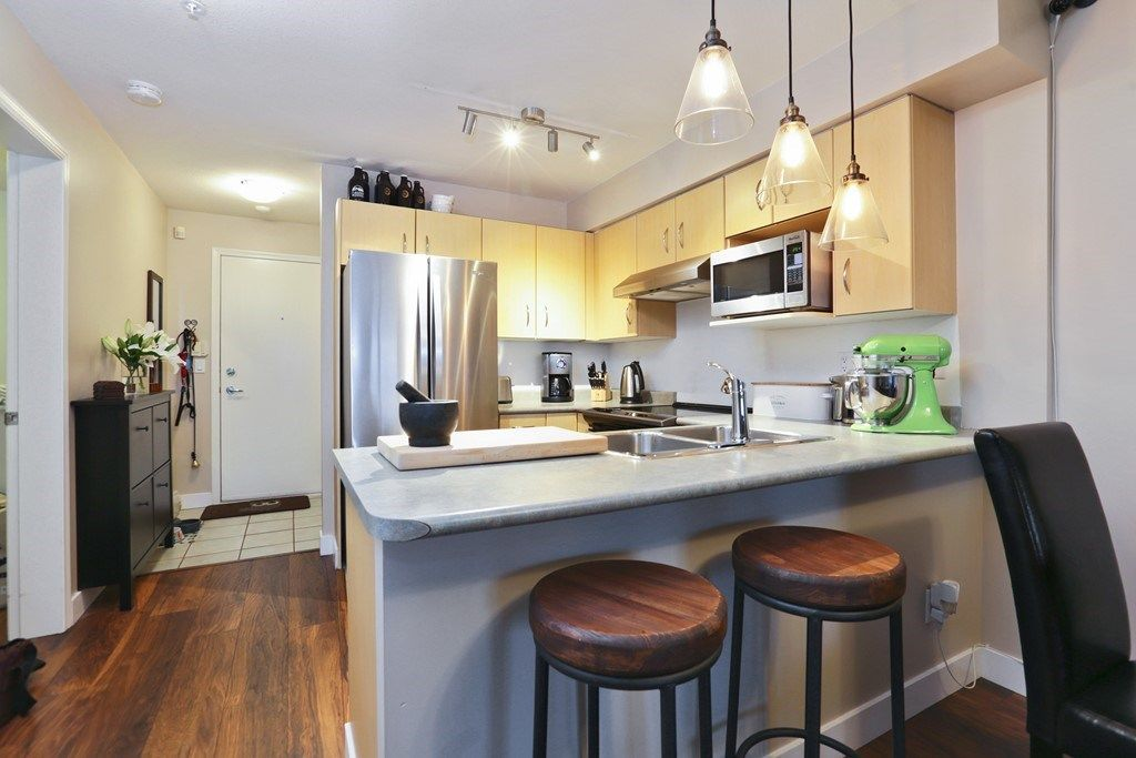 Photo 4: Photos: 316 332 LONSDALE Avenue in North Vancouver: Lower Lonsdale Condo for sale : MLS® # R2224894