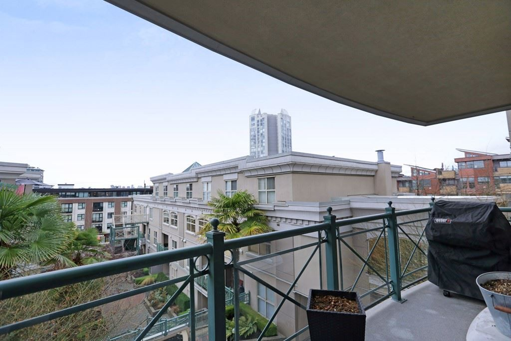 Photo 11: Photos: 316 332 LONSDALE Avenue in North Vancouver: Lower Lonsdale Condo for sale : MLS® # R2224894