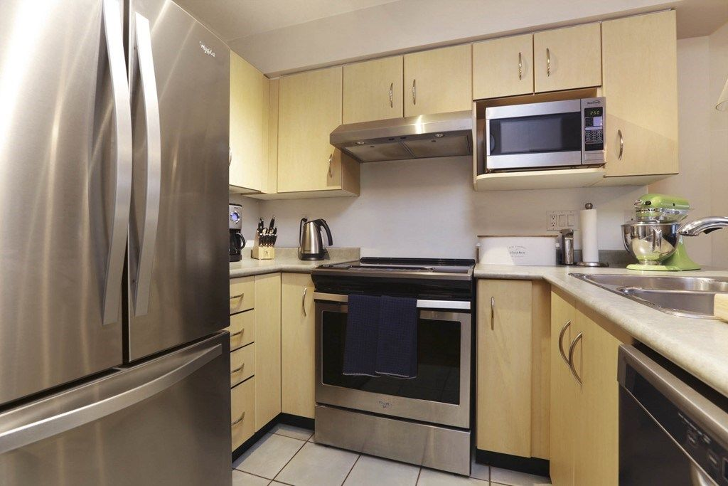 Photo 2: Photos: 316 332 LONSDALE Avenue in North Vancouver: Lower Lonsdale Condo for sale : MLS® # R2224894