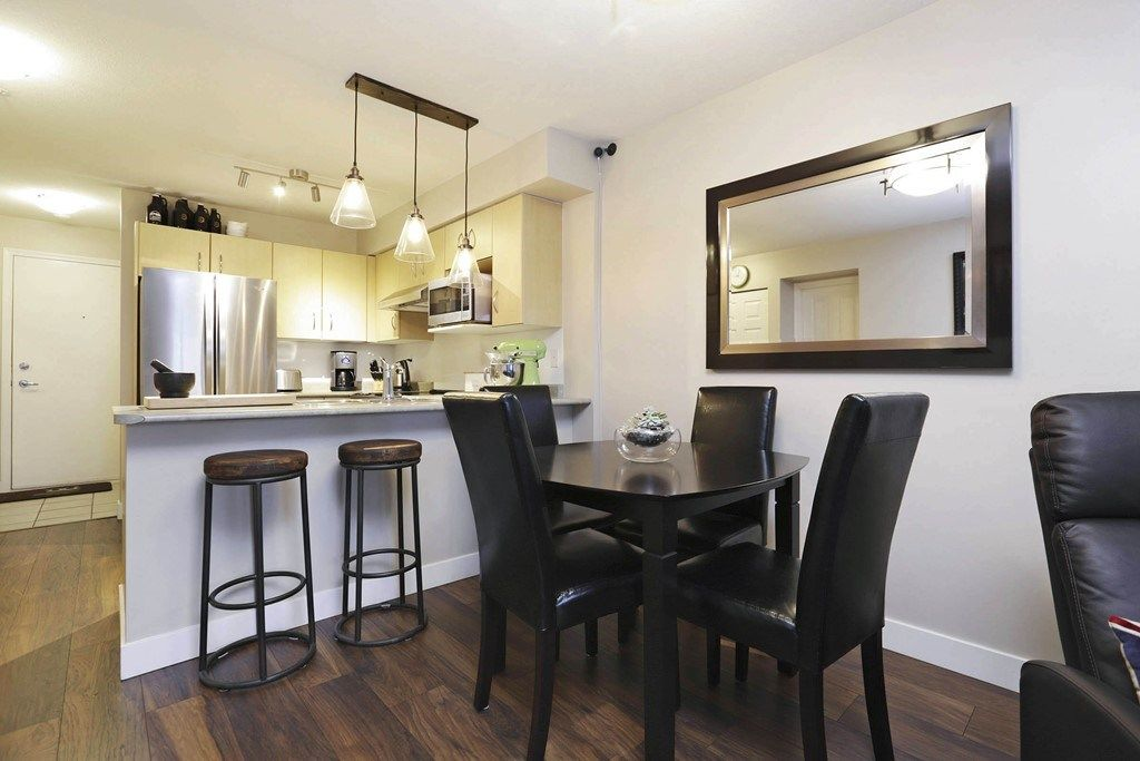 Photo 5: Photos: 316 332 LONSDALE Avenue in North Vancouver: Lower Lonsdale Condo for sale : MLS® # R2224894