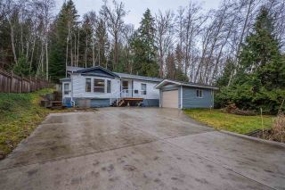 Main Photo: 6083 FAIRWAY Avenue in Sechelt: Sechelt District Manufactured Home for sale (Sunshine Coast)  : MLS®# R2232724