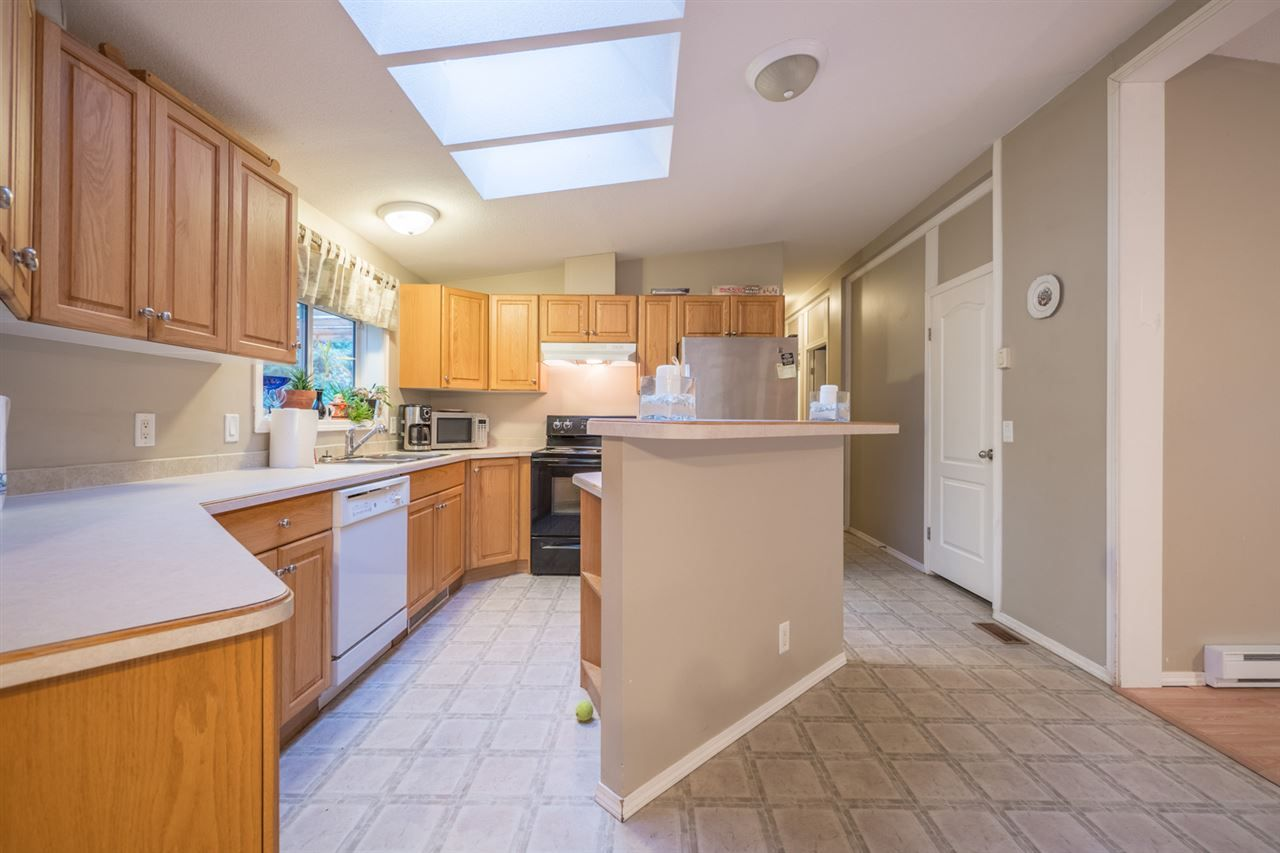 Photo 6: Photos: 6083 FAIRWAY Avenue in Sechelt: Sechelt District Manufactured Home for sale (Sunshine Coast)  : MLS® # R2232724