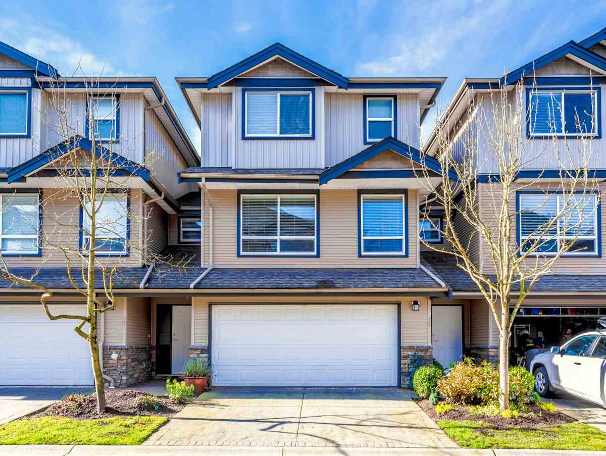 "Main Photo: 70 3127 SKEENA Street in Port Coquitlam: Riverwood Townhouse for sale in ""River's Walk"" : MLS®# R2239920"