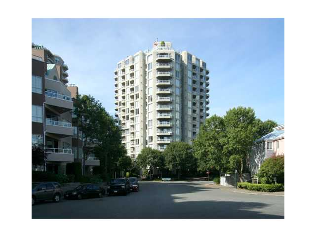 "Main Photo: 207 1135 QUAYSIDE Drive in New Westminster: Quay Condo for sale in ""ANCHOR POINTE"" : MLS(r) # V916905"