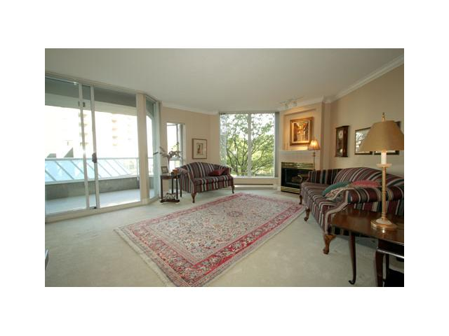 "Photo 2: 207 1135 QUAYSIDE Drive in New Westminster: Quay Condo for sale in ""ANCHOR POINTE"" : MLS(r) # V916905"