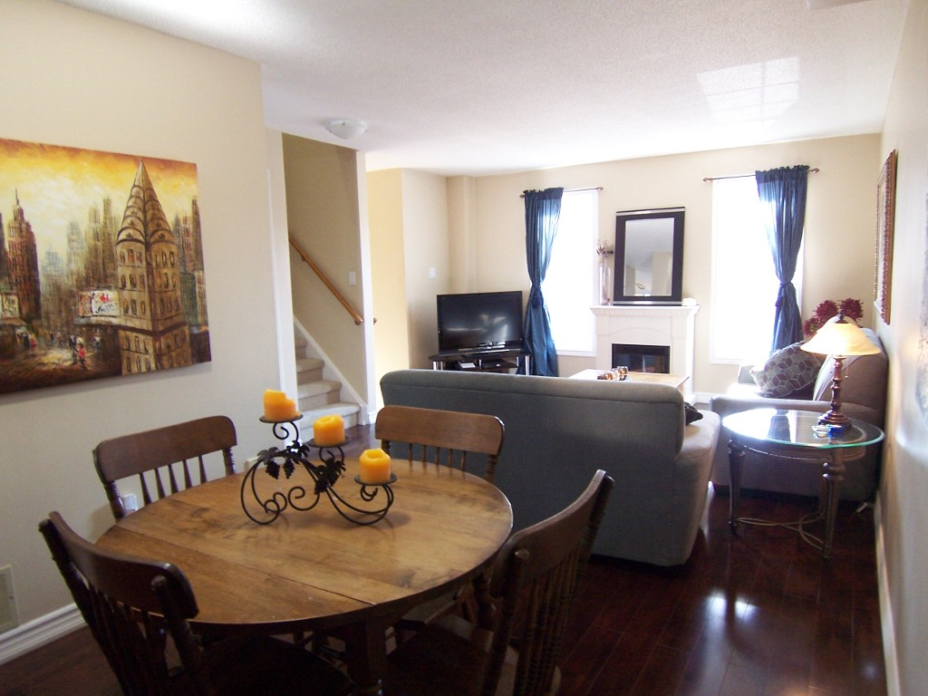 Photo 3: 11 2272 Mowat in Oakville: Condo for sale : MLS(r) # 2040890