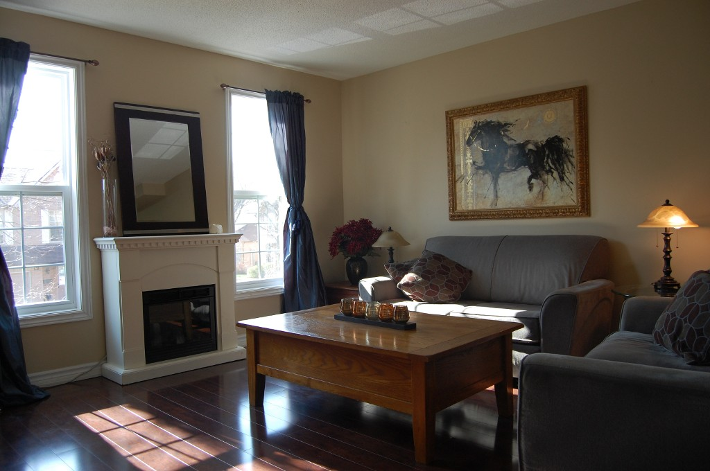 Photo 4: 11 2272 Mowat in Oakville: Condo for sale : MLS(r) # 2040890