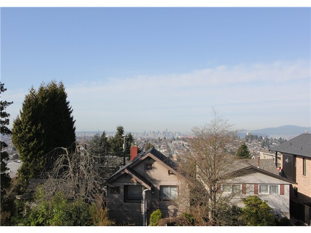 "Photo 17: 128 GLYNDE Avenue in Burnaby: Capitol Hill BN House for sale in ""CAPITOL HILL"" (Burnaby North)  : MLS(r) # V1052791"