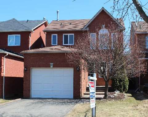Main Photo: 67 Sable Crest in Whitby: Rolling Acres House (2-Storey) for sale : MLS® # E2876777