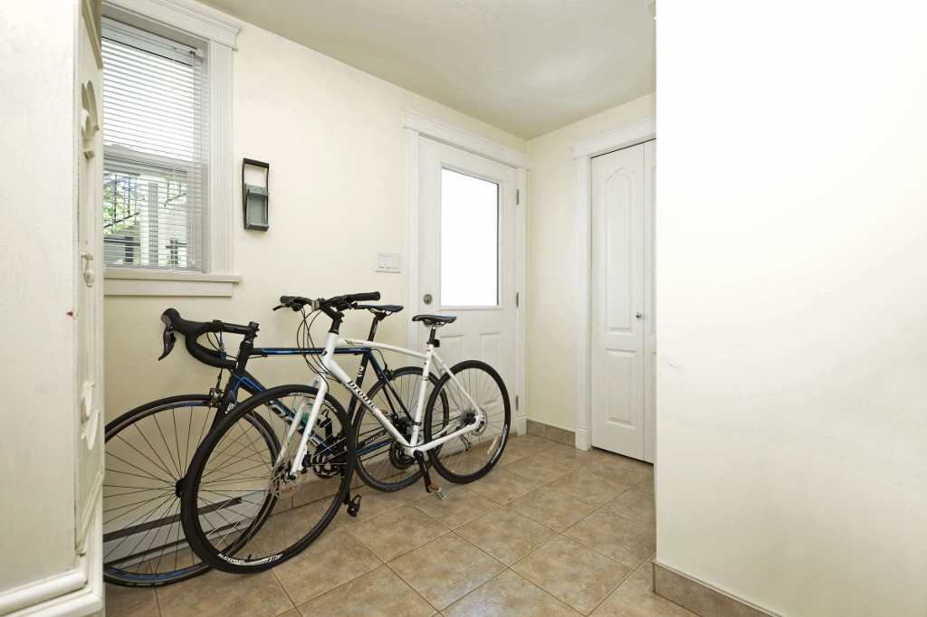 Photo 19: 1 1376 Pandora Avenue in VICTORIA: Vi Fernwood Condo Apartment for sale (Victoria)  : MLS(r) # 364456