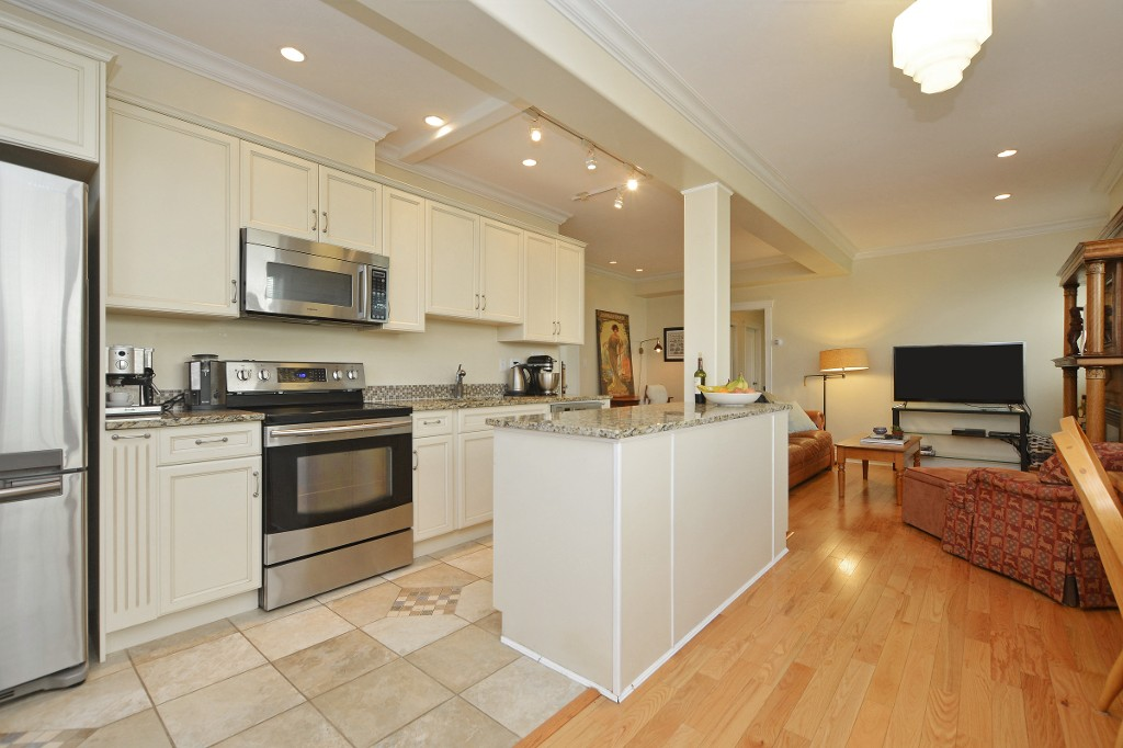 Photo 11: 1 1376 Pandora Avenue in VICTORIA: Vi Fernwood Condo Apartment for sale (Victoria)  : MLS(r) # 364456