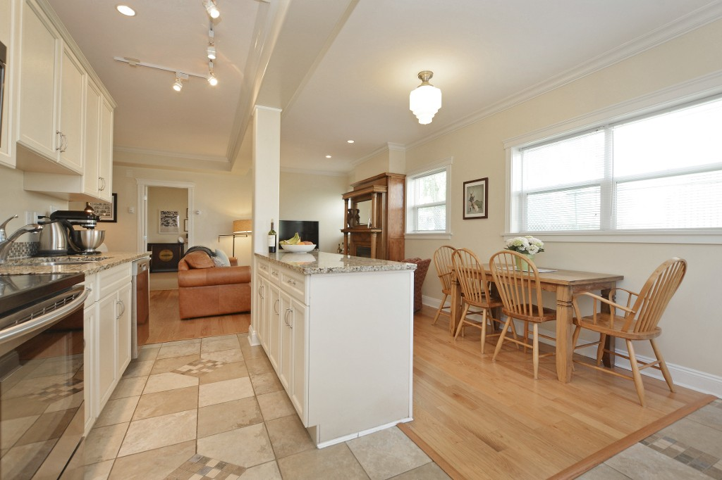 Photo 8: 1 1376 Pandora Avenue in VICTORIA: Vi Fernwood Condo Apartment for sale (Victoria)  : MLS(r) # 364456