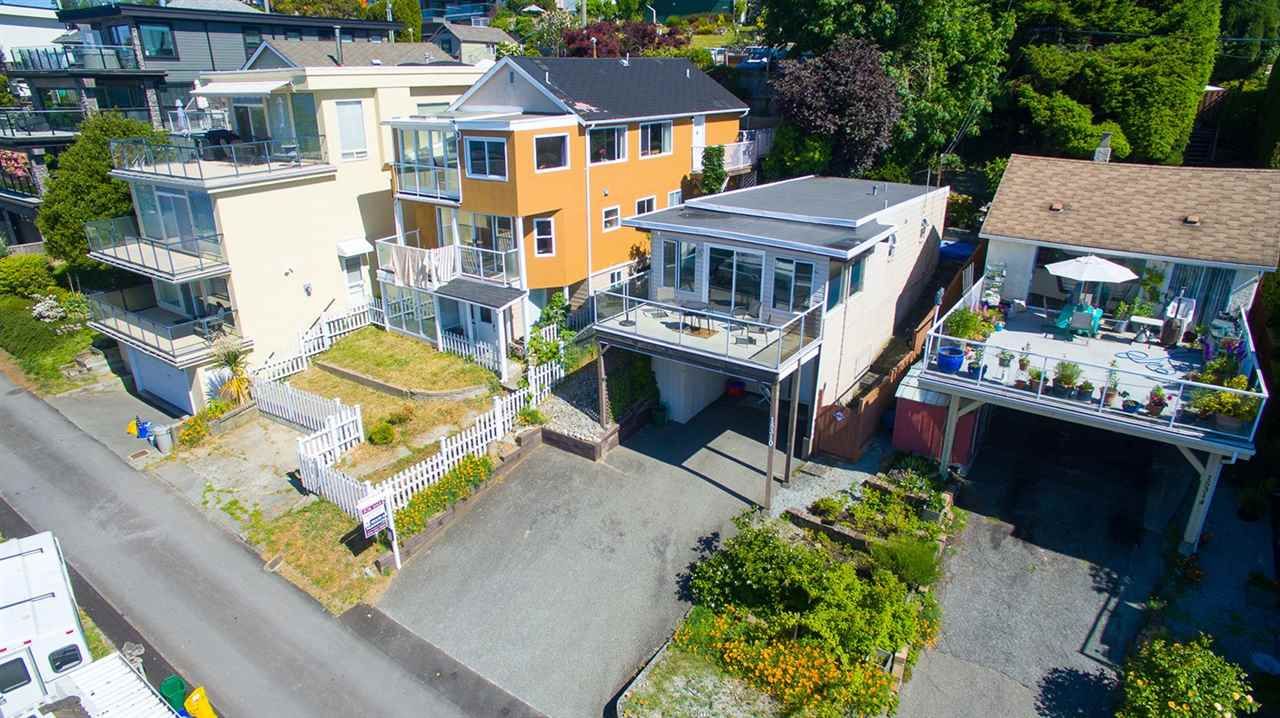 Photo 4: 15310 VICTORIA Avenue: White Rock House for sale (South Surrey White Rock)  : MLS(r) # R2065833