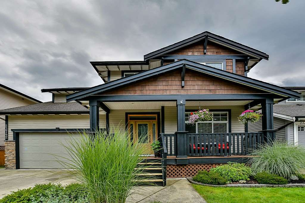 FEATURED LISTING: 23742 118 Avenue Maple Ridge