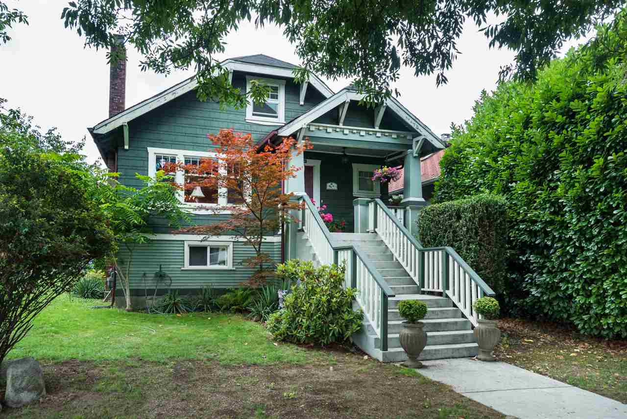 "Main Photo: 2366 GRANT Street in Vancouver: Grandview VE House for sale in ""GRANDVIEW/COMMERCIAL DRIVE"" (Vancouver East)  : MLS® # R2089719"