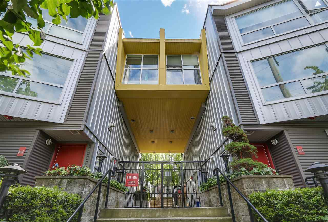 "Main Photo: 217 676 W 6TH Avenue in Vancouver: Fairview VW Townhouse for sale in ""BOHEMIA"" (Vancouver West)  : MLS®# R2091947"
