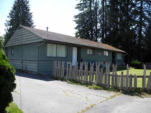 Main Photo: 22194 CHURCH Avenue in Maple Ridge: West Central House Duplex for sale : MLS(r) # R2097260