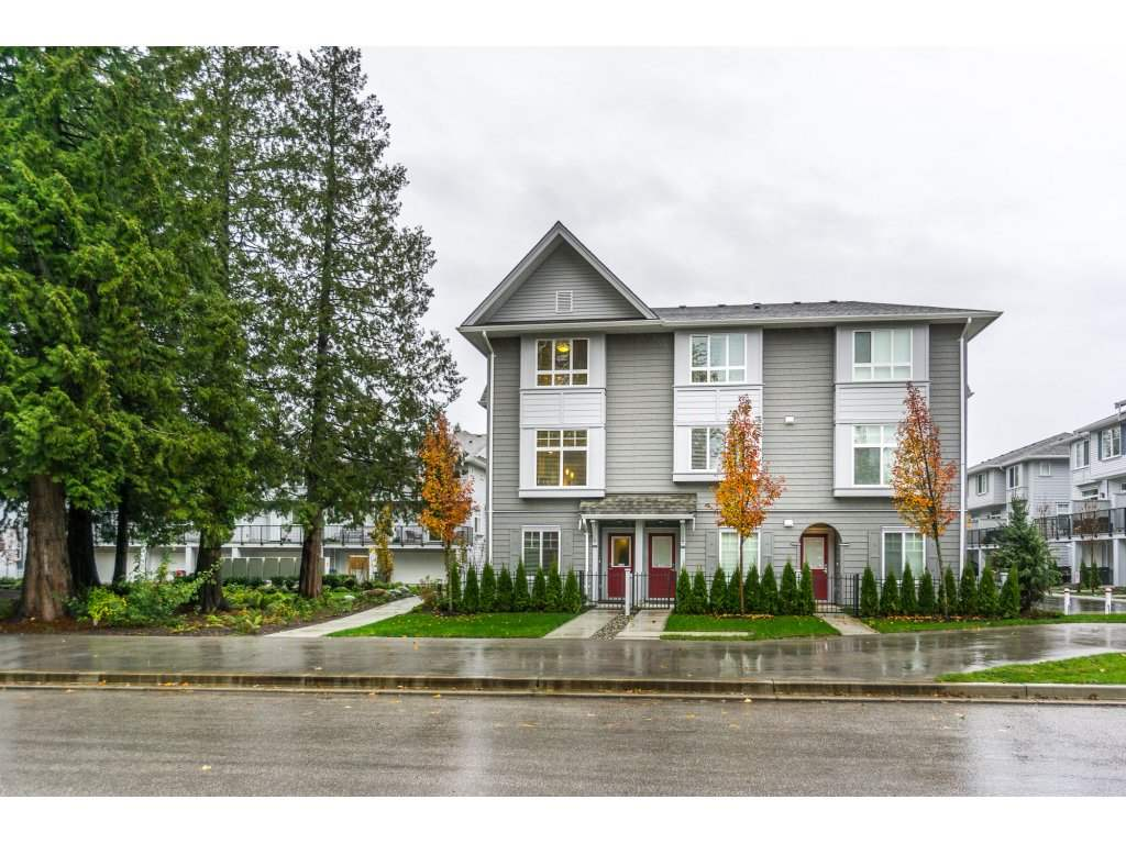 "Main Photo: 113 5858 142 Street in Surrey: Sullivan Station Townhouse for sale in ""Brooklyn Village"" : MLS® # R2121464"