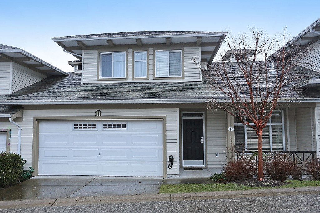 "Main Photo: 47 15188 62A Avenue in Surrey: Sullivan Station Townhouse for sale in ""Gillis Walk"" : MLS® # R2128588"