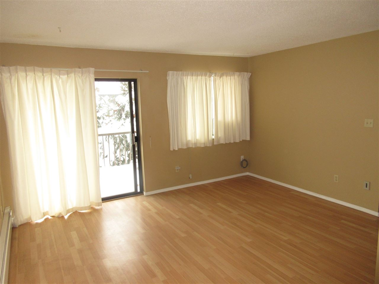 "Photo 4: 309 45749 SPADINA Avenue in Chilliwack: Chilliwack W Young-Well Condo for sale in ""CHILLIWACK GARDENS"" : MLS(r) # R2137266"