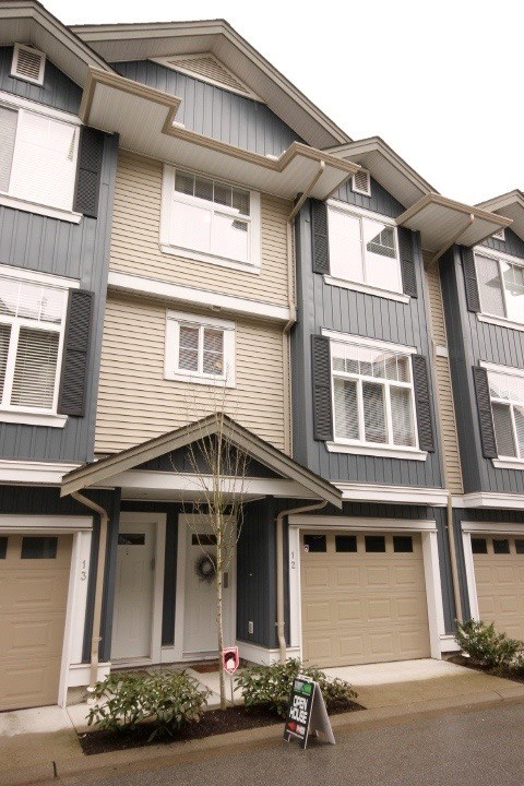 "Main Photo: 12 6956 193 Street in Surrey: Clayton Townhouse for sale in ""THE EDGE"" (Cloverdale)  : MLS® # R2148935"