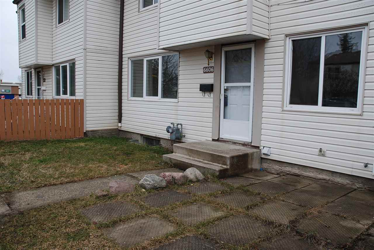 Main Photo:  in Edmonton: Zone 20 Townhouse for sale : MLS® # E4060443