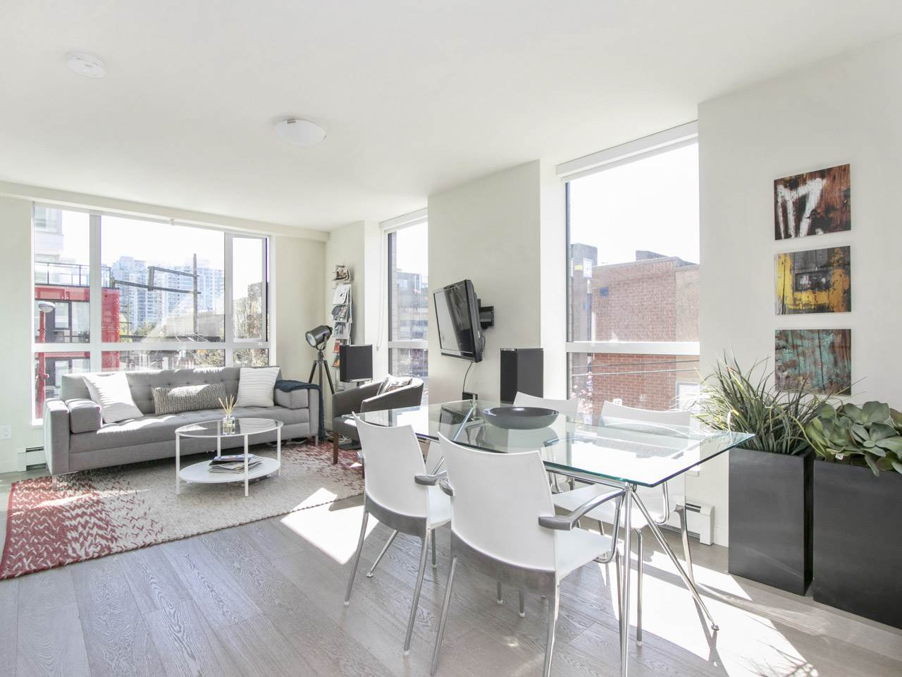 "Main Photo: 205 189 KEEFER Street in Vancouver: Downtown VE Condo for sale in ""Keefer Block"" (Vancouver East)  : MLS(r) # R2158714"
