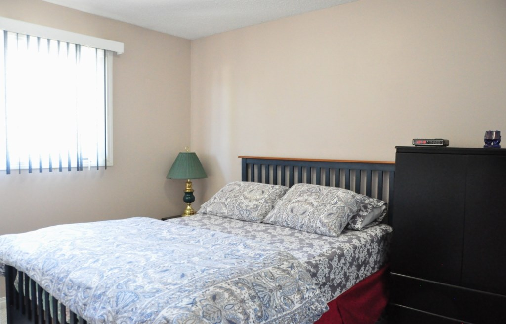 Photo 9: 6330 34A Avenue in Edmonton: Zone 29 House Half Duplex for sale : MLS® # E4066482