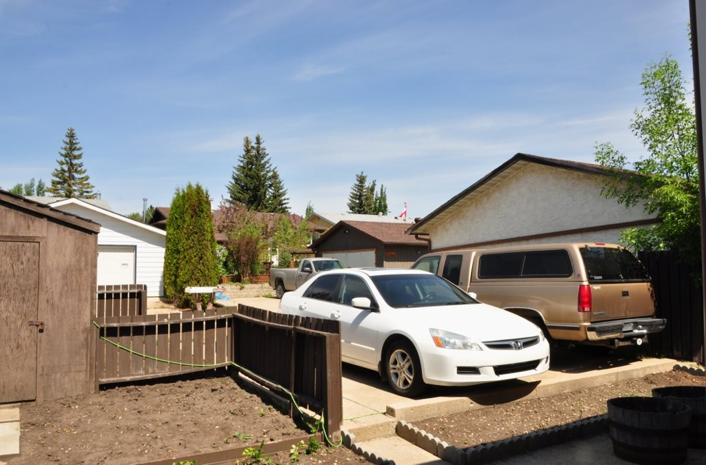 Photo 17: 6330 34A Avenue in Edmonton: Zone 29 House Half Duplex for sale : MLS® # E4066482