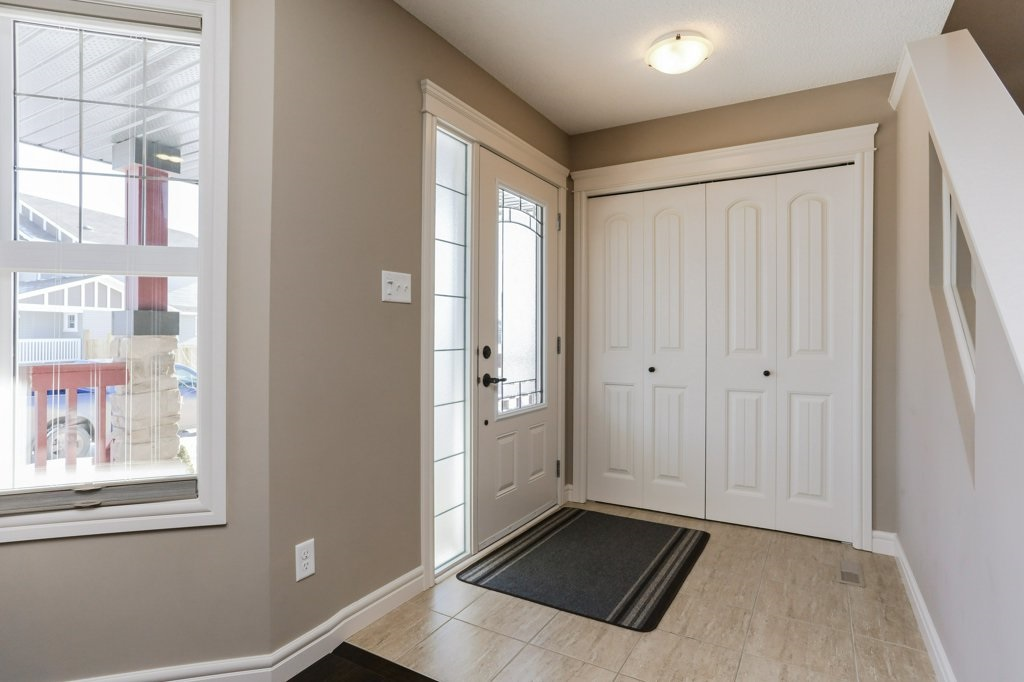 Photo 2: 602 178A Street in Edmonton: Zone 56 House for sale : MLS® # E4066657