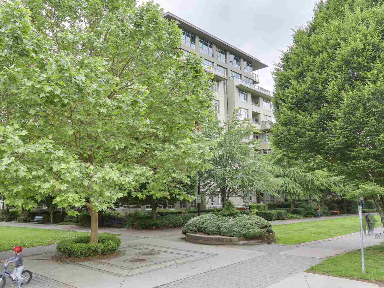 "Photo 20: 701 2799 YEW Street in Vancouver: Kitsilano Condo for sale in ""TAPESTRY AT ARBUTUS WALK (O'Keefe)"" (Vancouver West)  : MLS(r) # R2178410"