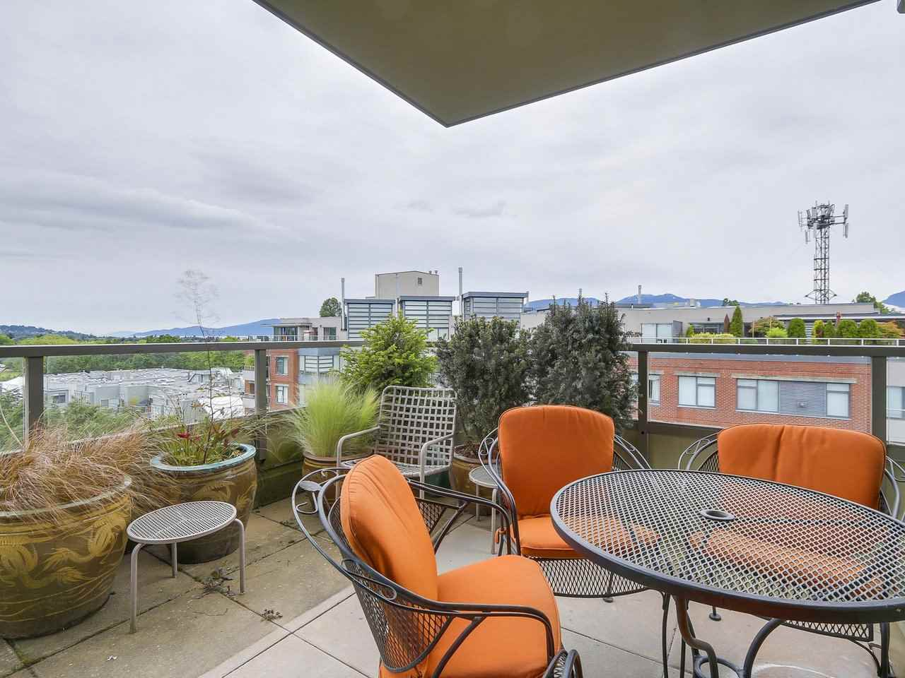 "Photo 7: 701 2799 YEW Street in Vancouver: Kitsilano Condo for sale in ""TAPESTRY AT ARBUTUS WALK (O'Keefe)"" (Vancouver West)  : MLS(r) # R2178410"
