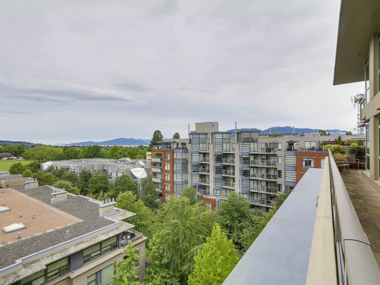"Photo 8: 701 2799 YEW Street in Vancouver: Kitsilano Condo for sale in ""TAPESTRY AT ARBUTUS WALK (O'Keefe)"" (Vancouver West)  : MLS(r) # R2178410"