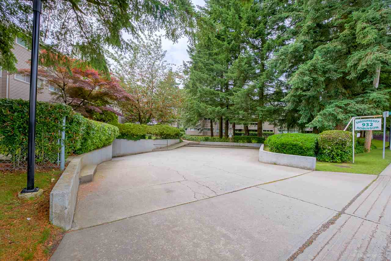 "Photo 20: 103 932 ROBINSON Street in Coquitlam: Coquitlam West Condo for sale in ""THE SHAUGHNESSY"" : MLS® # R2179264"