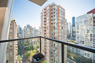 "Main Photo: 1902 969 RICHARDS Street in Vancouver: Downtown VW Condo for sale in ""BOSA MONDRIAN"" (Vancouver West)  : MLS(r) # R2184699"
