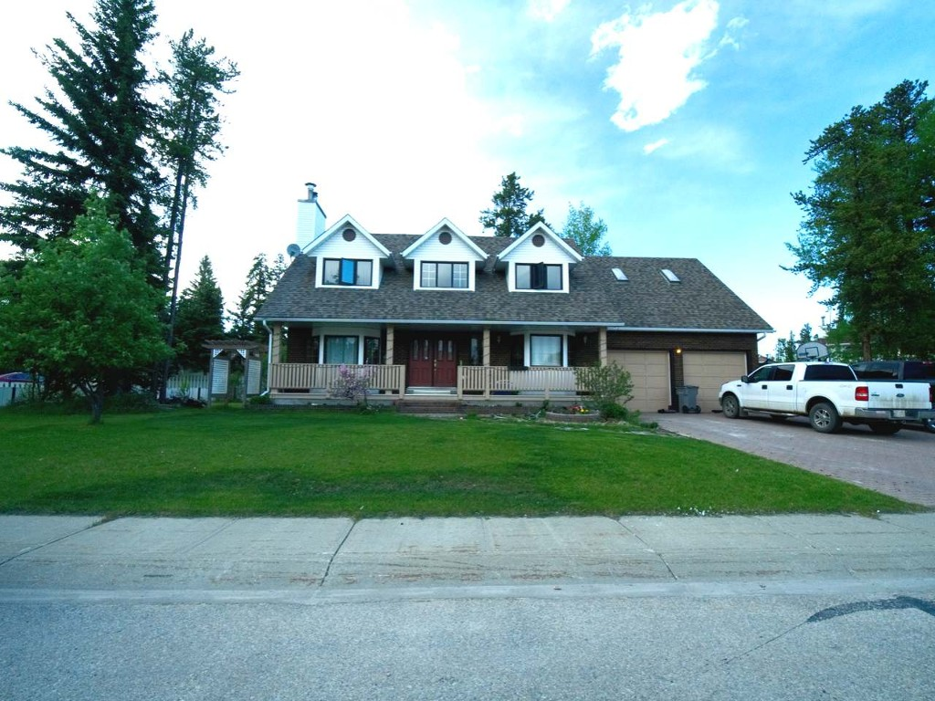 Main Photo: 4 Blueberry Crescent in Whitecourt: House for sale : MLS® # 44228
