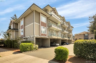 Main Photo: 104 2706 Peatt Road in VICTORIA: La Langford Proper Condo Apartment for sale (Langford)  : MLS® # 381824