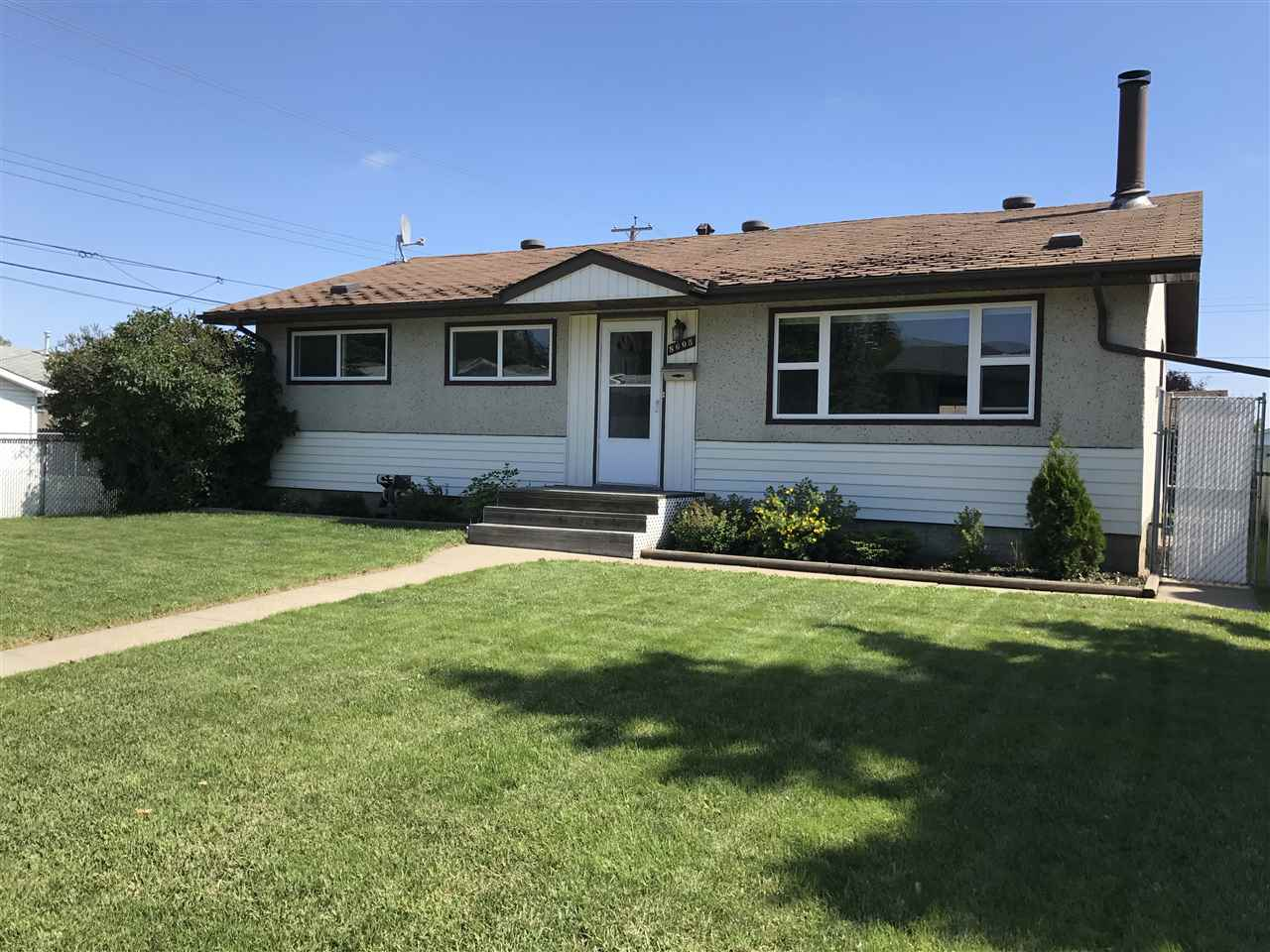 Main Photo: 8605 164 Street in Edmonton: Zone 22 House for sale : MLS® # E4076970