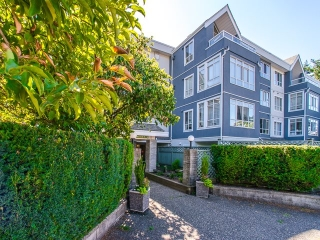 "Main Photo: 308 855 W 16TH Street in North Vancouver: Hamilton Condo for sale in ""Gables West"" : MLS® # R2208020"