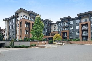 "Main Photo: 111 20068 FRASER Highway in Langley: Langley City Condo for sale in ""Varcity"" : MLS® # R2212293"