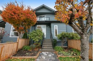 Main Photo: 266 E 9TH Street in North Vancouver: Central Lonsdale House 1/2 Duplex for sale : MLS® # R2222181