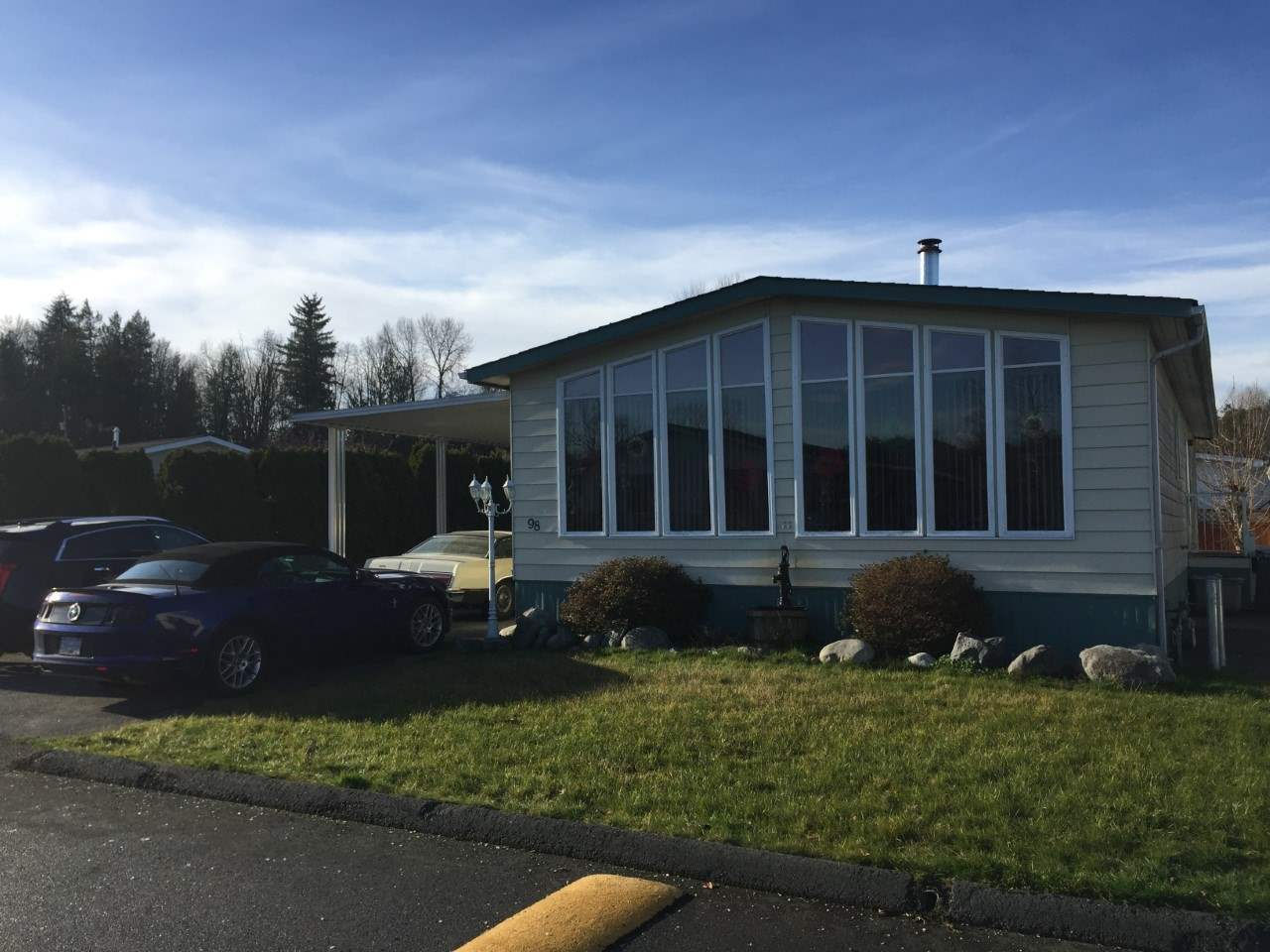 "Main Photo: 98 3300 HORN Street in Abbotsford: Central Abbotsford Manufactured Home for sale in ""GEORGIAN PARK"" : MLS®# R2228990"